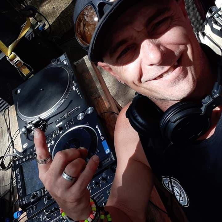 DJ TIGGER