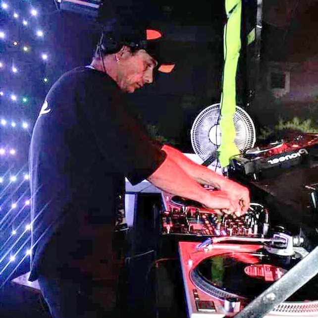 LESH-FM-DJ-tiggz-profile-1-flip