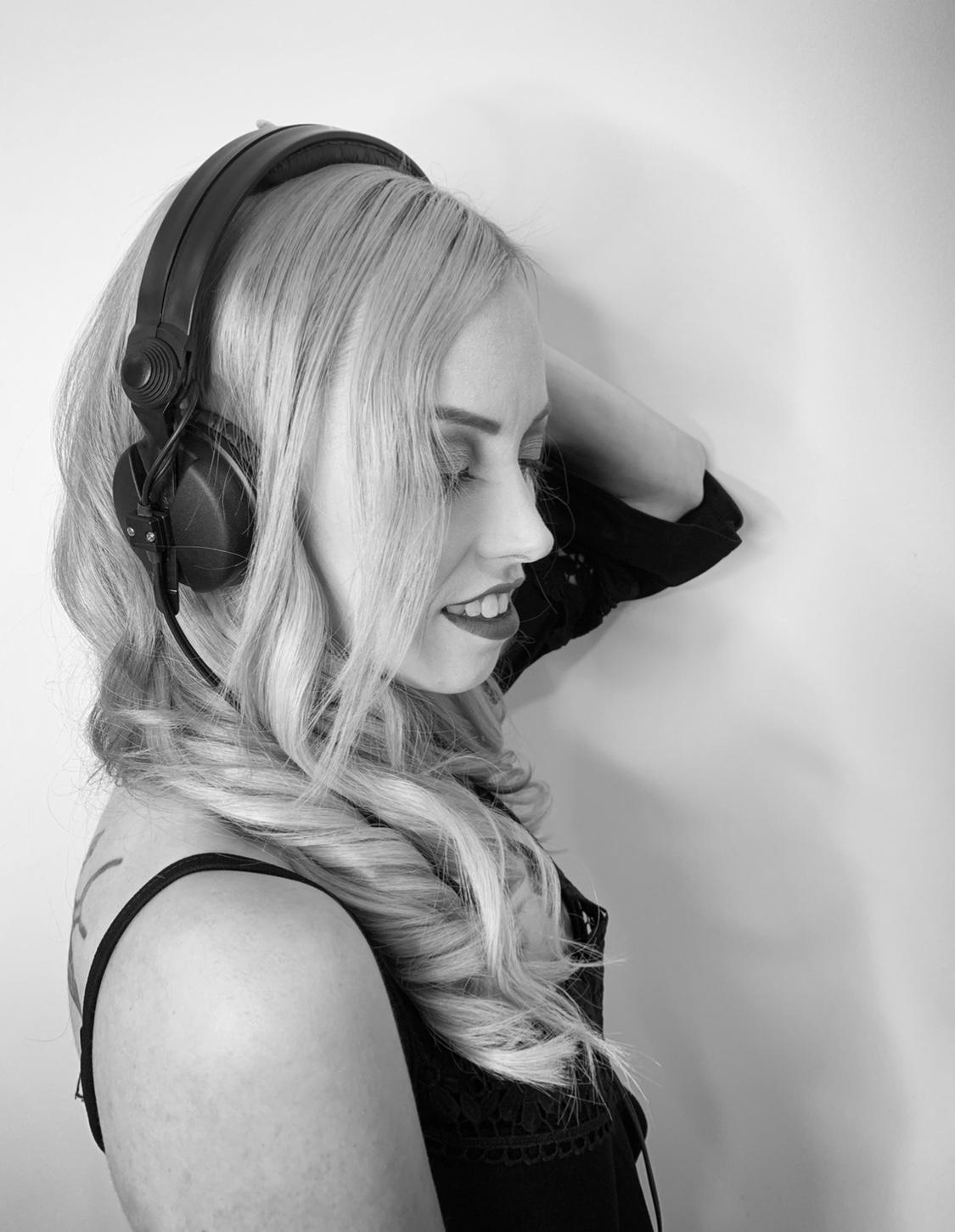 DJ-Miss-LESH-Promo-2